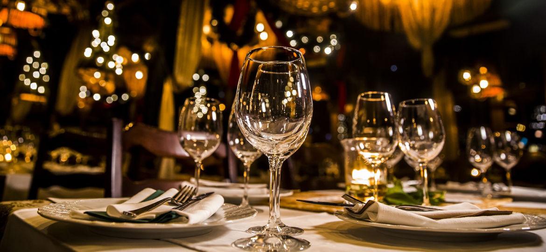 luxury elegant table setting dinner in a restaurant
